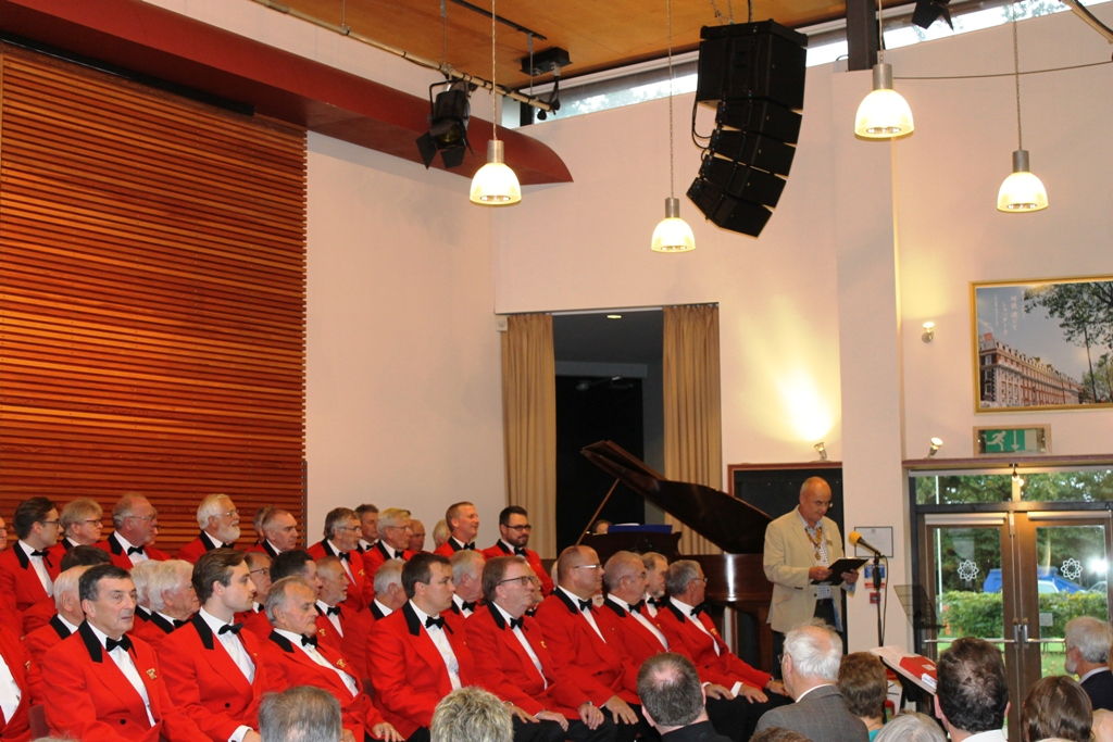 London Welsh Male Voice Choir at Taplow Court for Elizabeth House - IMG 5897(1)