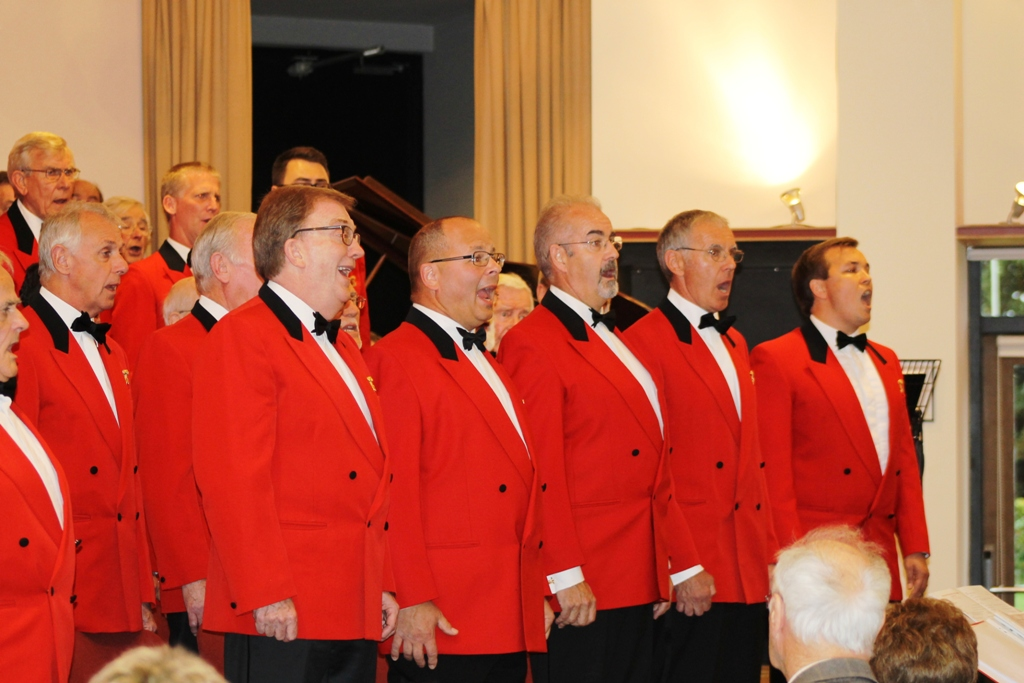 London Welsh Male Voice Choir at Taplow Court for Elizabeth House - IMG 5909