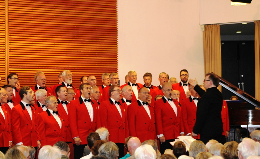 London Welsh Male Voice Choir at Taplow Court for Elizabeth House - IMG 5921