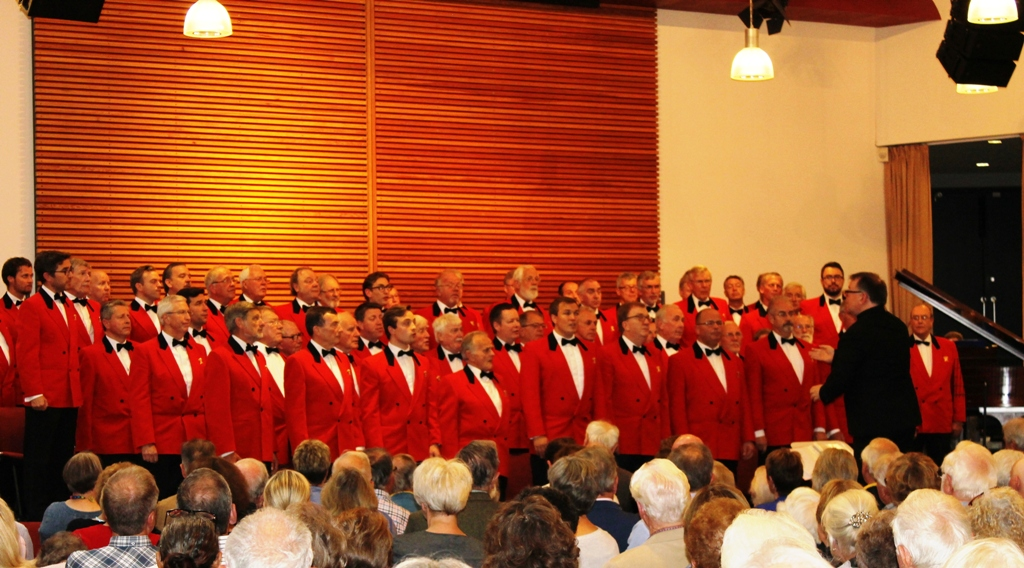 London Welsh Male Voice Choir at Taplow Court for Elizabeth House - IMG 5929