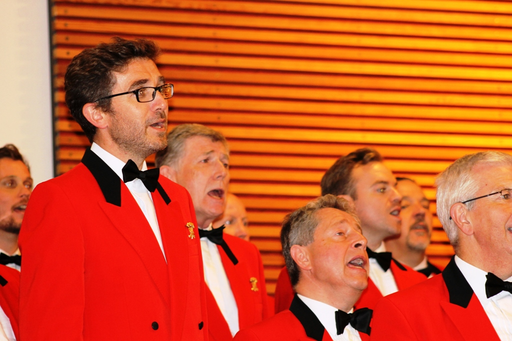 London Welsh Male Voice Choir at Taplow Court for Elizabeth House - IMG 5939(1)