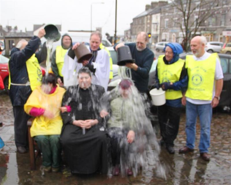 Wensleydale Rotary does Ice Bucket challenge for MNDA - Ice bucket challenge 011 (Custom)