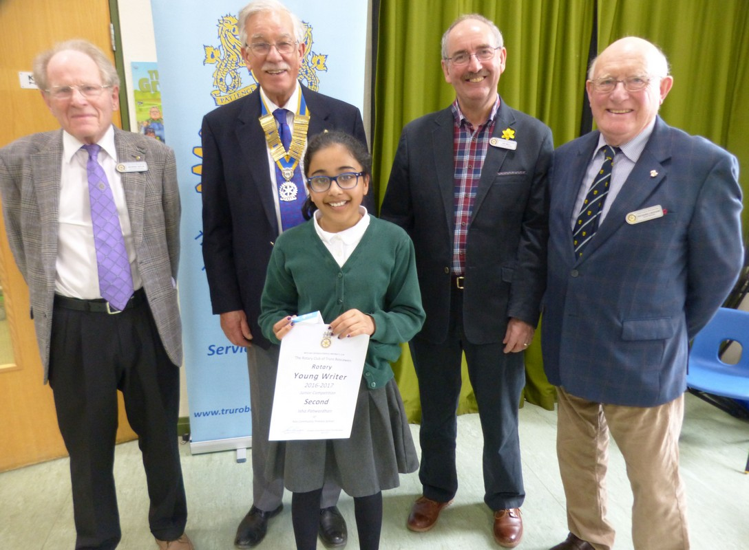 Young Writer 2016-2017 - Isha with (L-R) judge George Taplin, Max Braga, Ian Bell, and organiser Richard Lingham