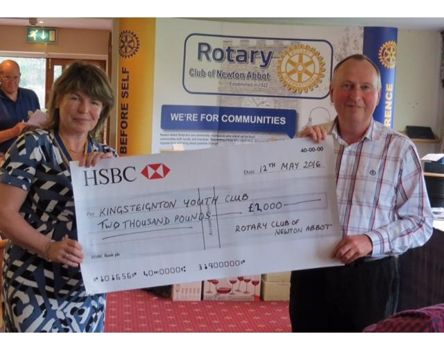 Rotary Club of Newton Abbot Golf Day - Stover - Dave Rollason collecting a cheque for KYC