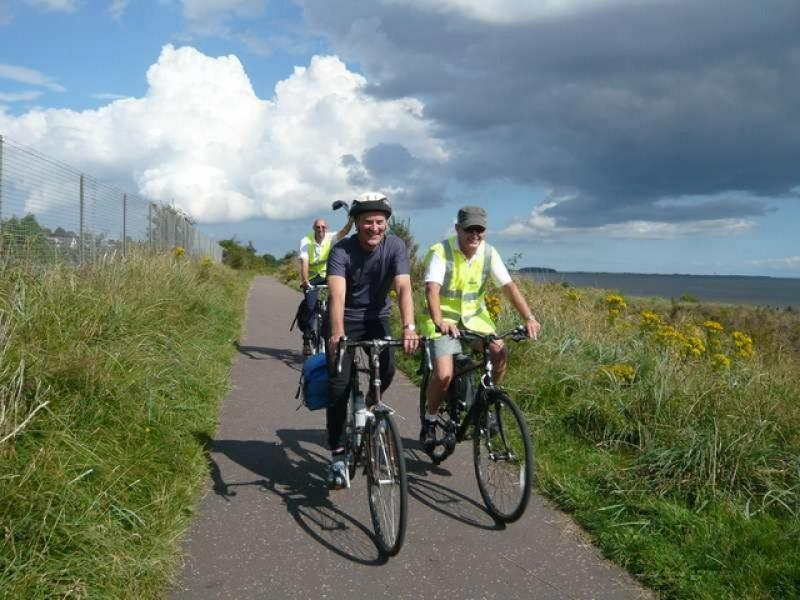 Fellowship Cycle to Carnoustie - L1090136 (640x480)