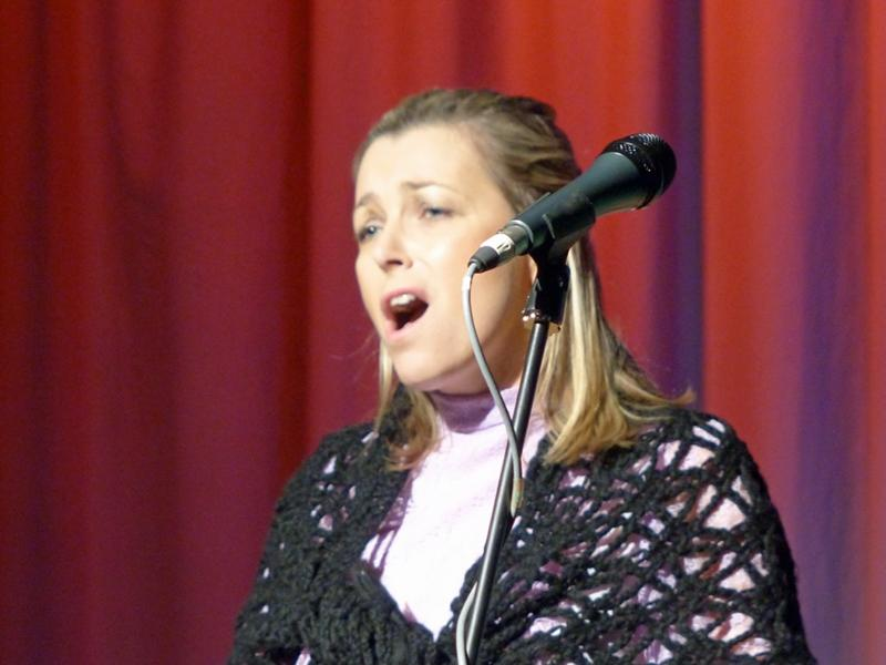 Senior Citizen's Concert 2016 - Lady-singer-2-800x600