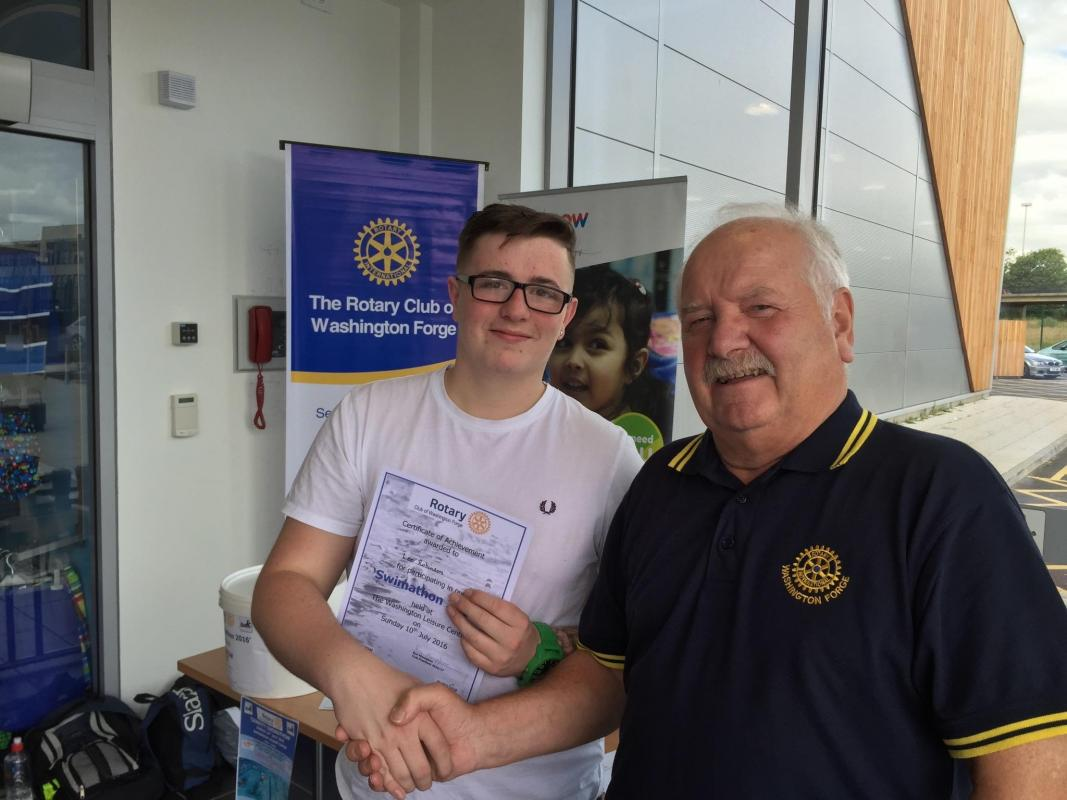 Charity Swimathon 2016 - Lee receives his certificate from President Ron