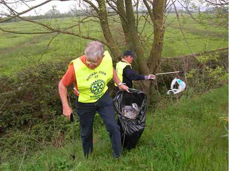 The Queens Drive - Rotarians help keep the Queens Drive clean and tidy