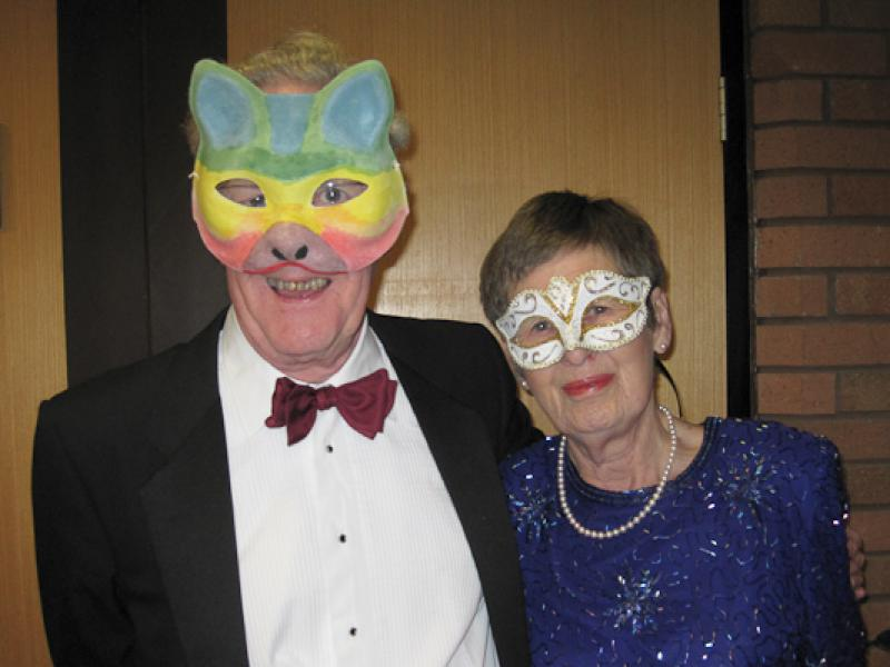 Masquerade ball goers - M13-0042rup