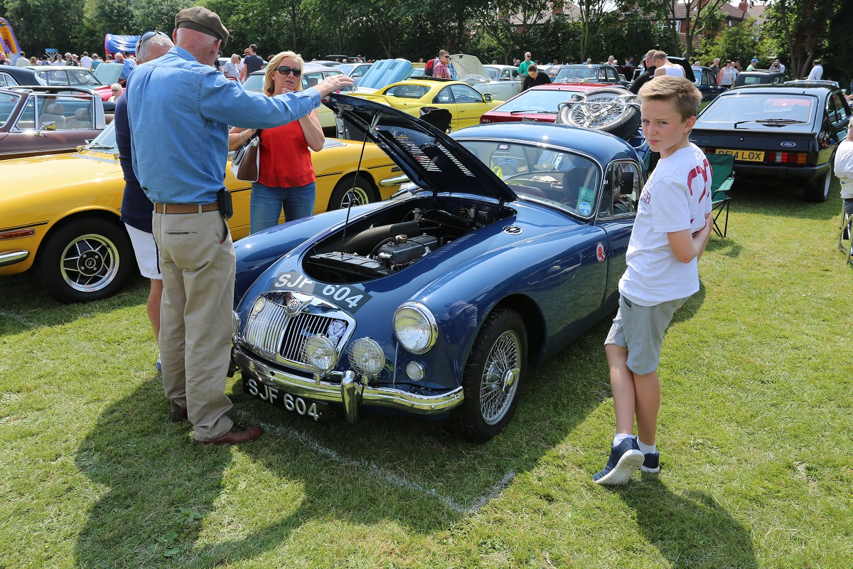 Doncaster Classic Car and Bike Show 2017 - MGA