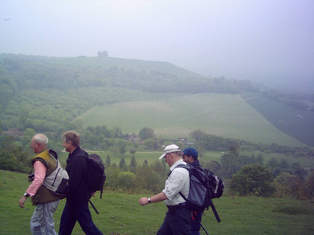 Training 3 peaks Challenge May '06 - Walking with panoramic view on the side