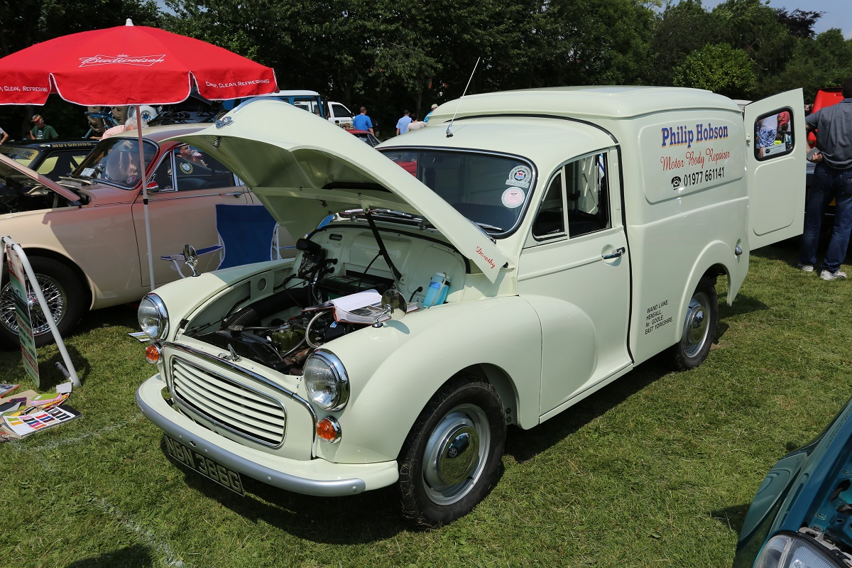 Doncaster Classic Car and Bike Show 2017 - Morris Minor Van