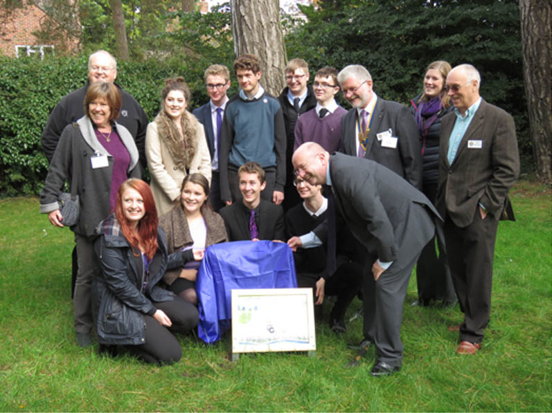 Growing Together to End Polio Now - The new Interact Club at Park House School celebrated with Rotarians and staff by planting 700 crocus corms around the school grounds