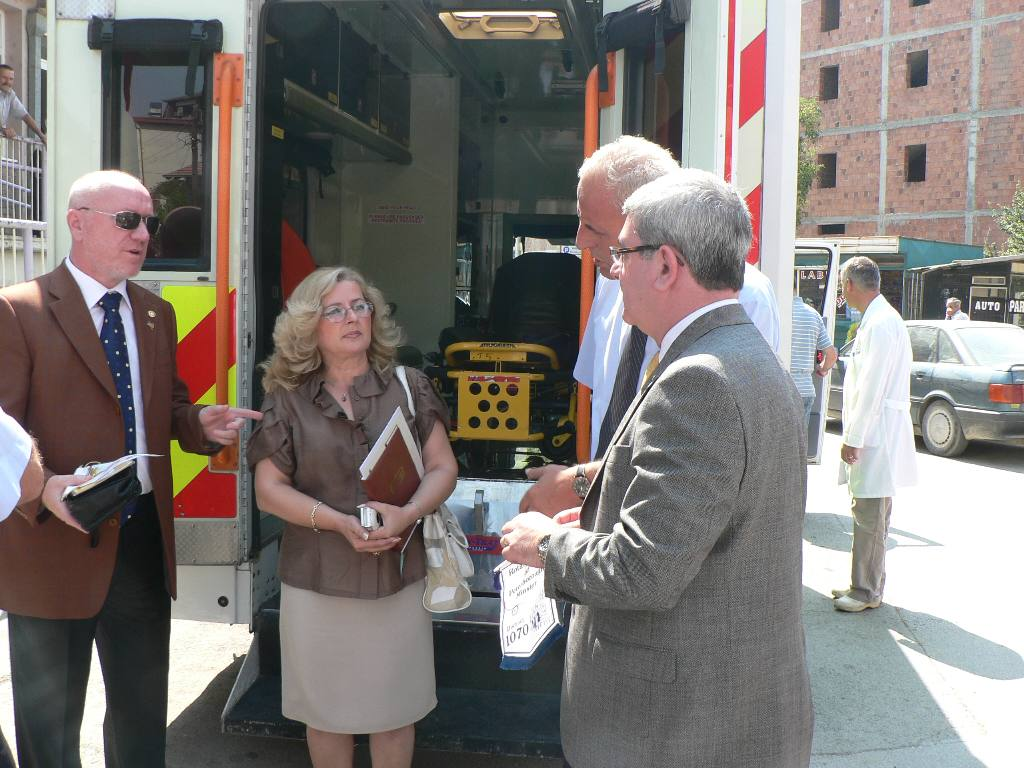 KOSOVO AMBULANCE PROJECT - Handover to Director of the Health House and the Mayor of Mitrovica
