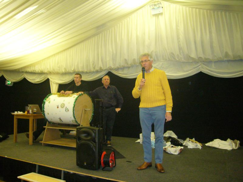 Rotary Christmas Prize Draw - RC Community committee chairman (and organiser of the prize draw), Geoff Milnes, gets the proceedings underway