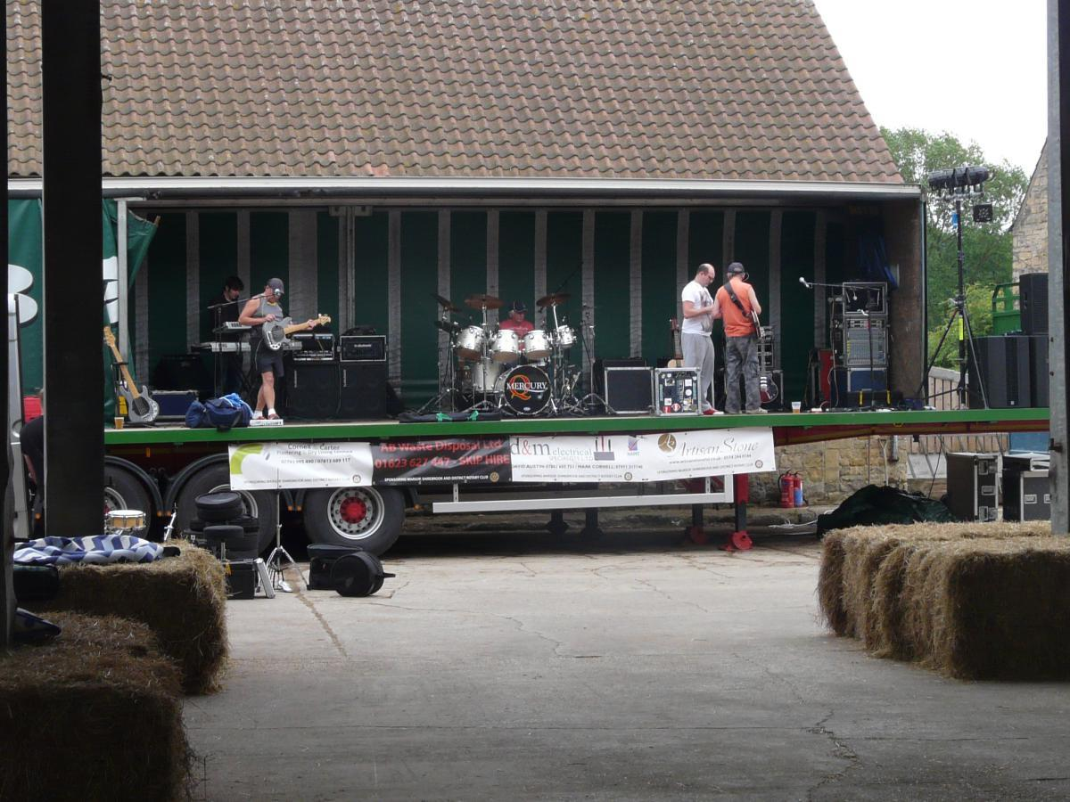 Party at the Farm -