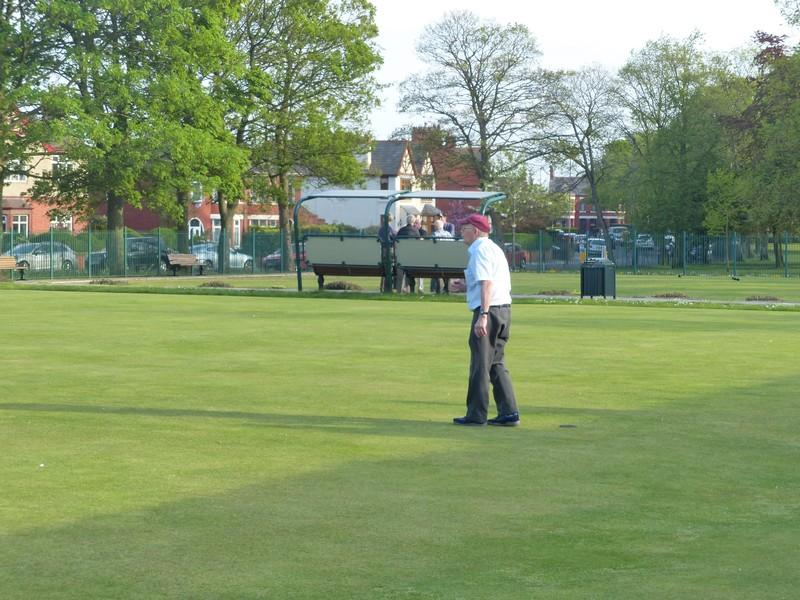 Fun Bowls evening with Widnes Rotary Club at Victoria Park Widnes - Rtn Ken