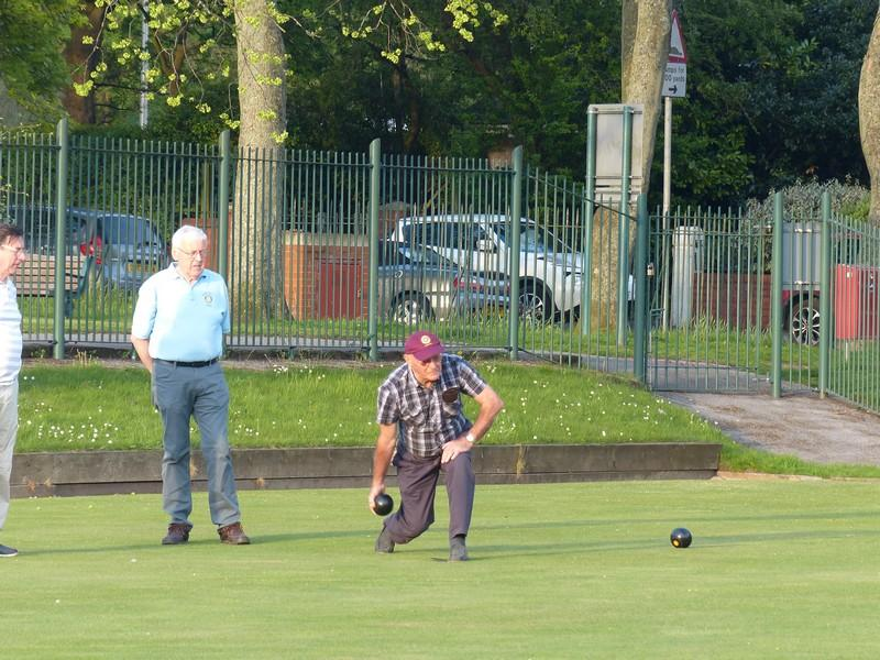 Fun Bowls evening with Widnes Rotary Club at Victoria Park Widnes - Rtn Ernie