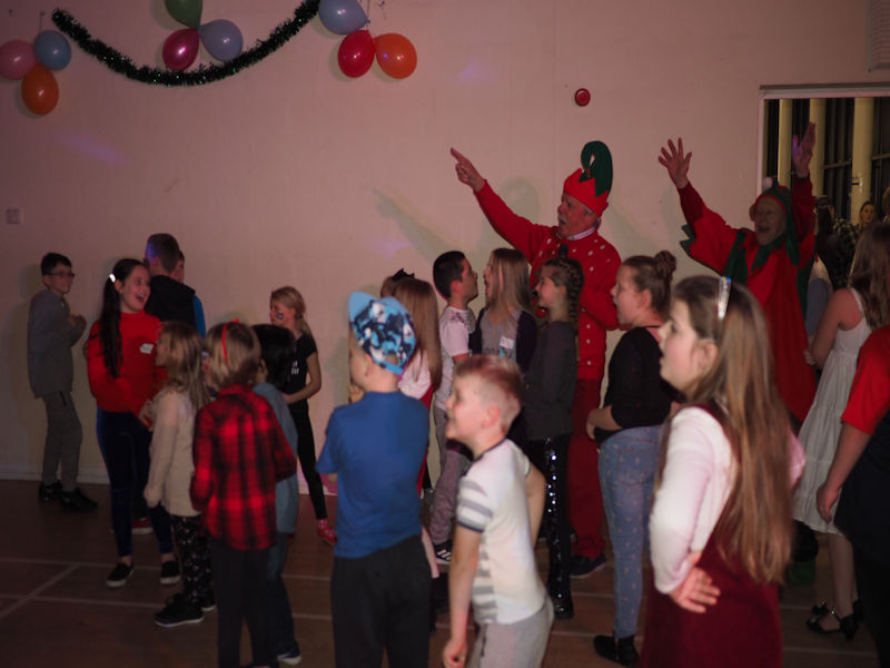 Bucks Young Carers Christmas Party 2017 - P1071311(Copy)