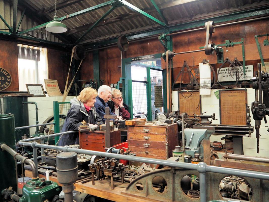 Visit to Anson Engine Museum - The way small engineering workshops worked with line shaft and belts