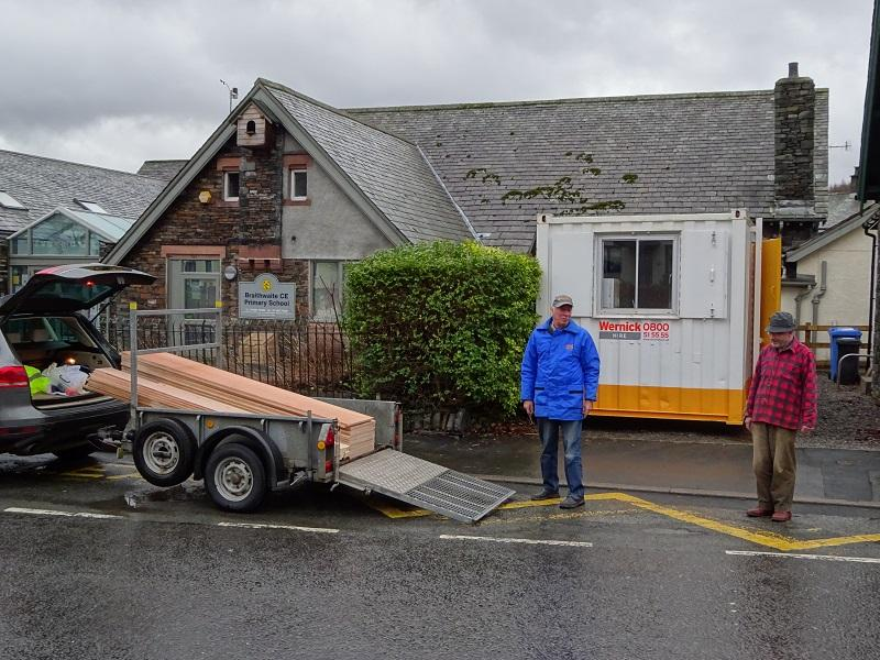 SUPPORT FOR POP UP SHOP IN BRAITHWAITE - Unloading