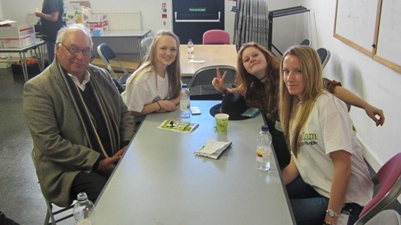 Jersey Students at PeaceJam UK Conference March 2015 - Enjoy a chat