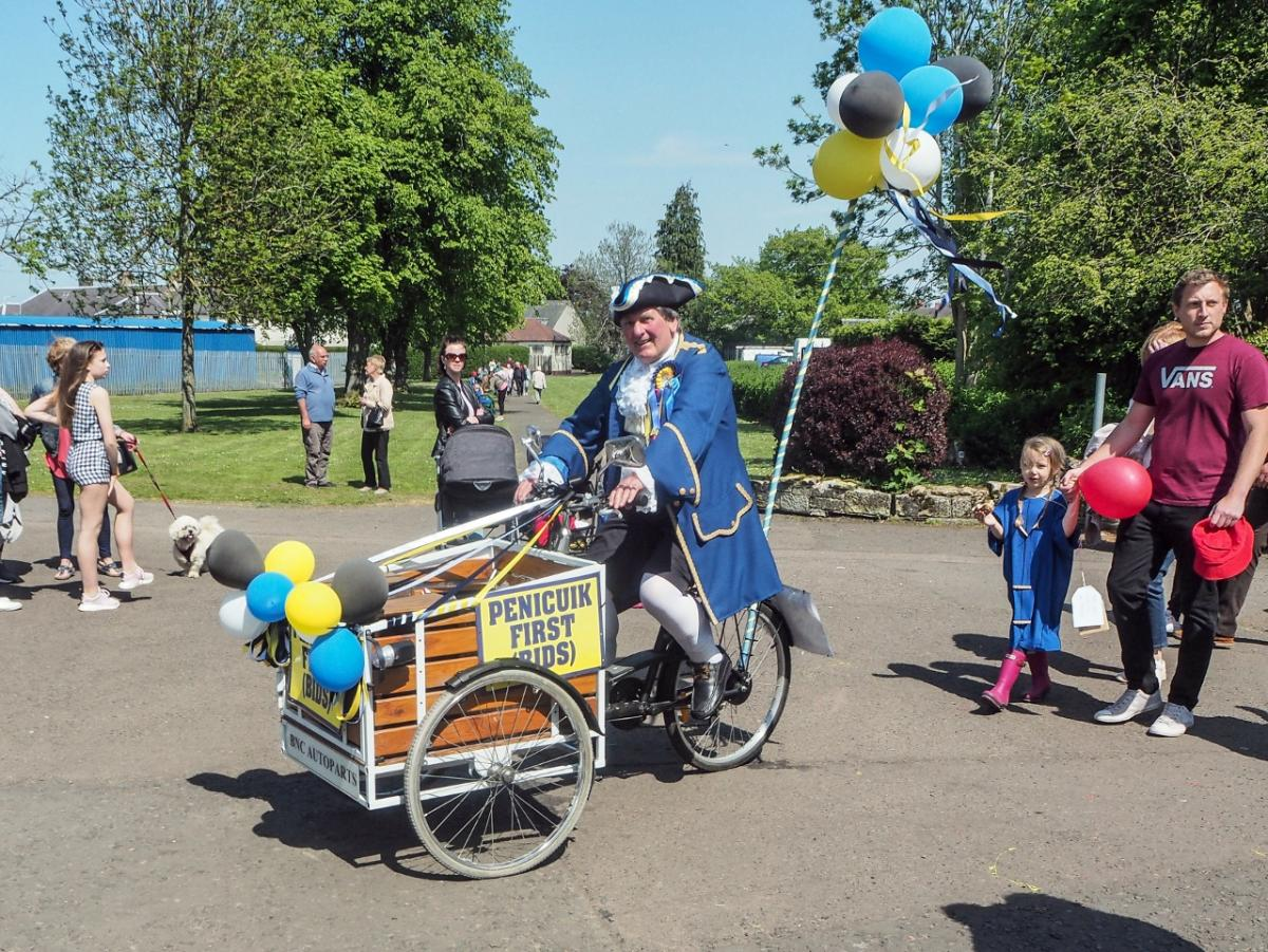 Penicuik in the Park 26th May 2018 - The Town Crier?