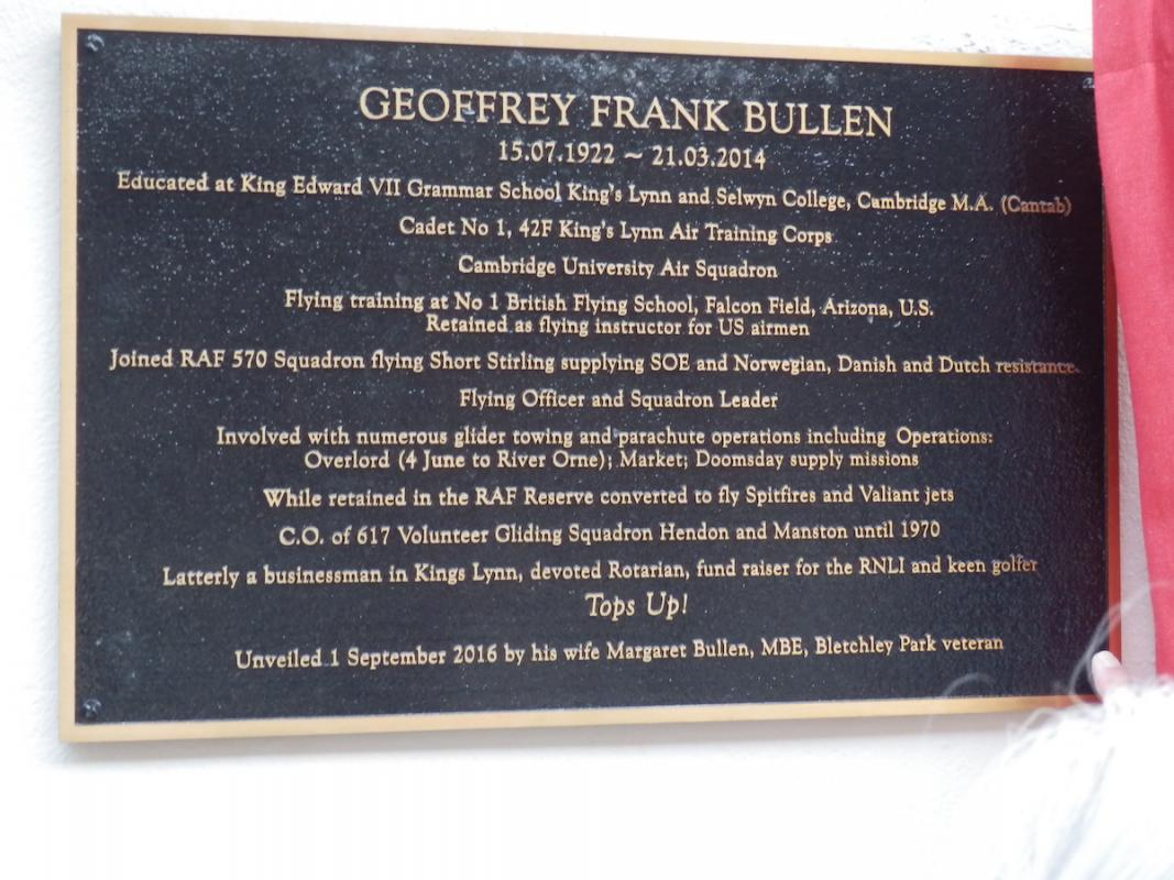 Unveiling of a plaque to Geoffrey Bullen -