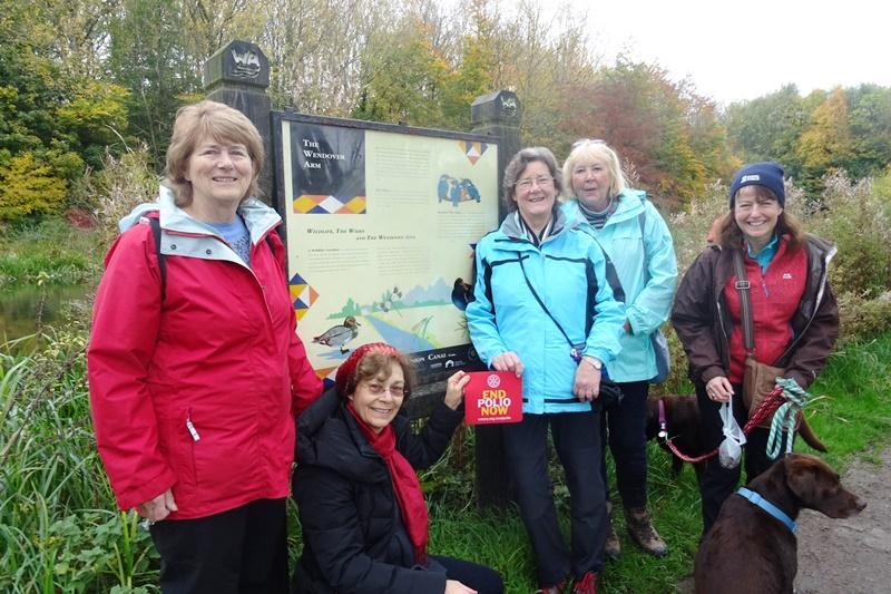 End Polio Now - Our walkers at the other end of the Wendover Arm