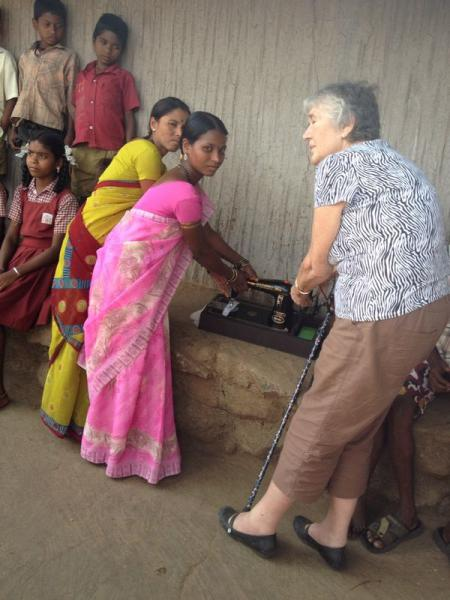 Update on our visit in 2014 to Mumbai - The new sewing machine