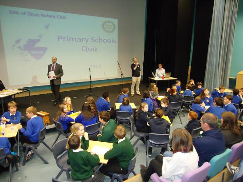 2013 Primary Schools' Quiz - Past-president Graham Smith, question-setter is seated