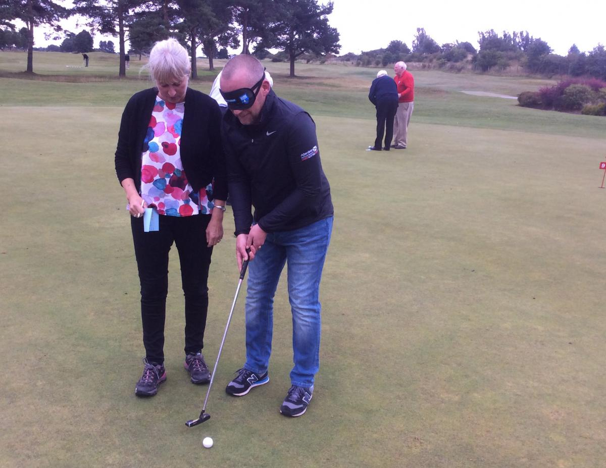 Blind-folded Putting - Puting 6