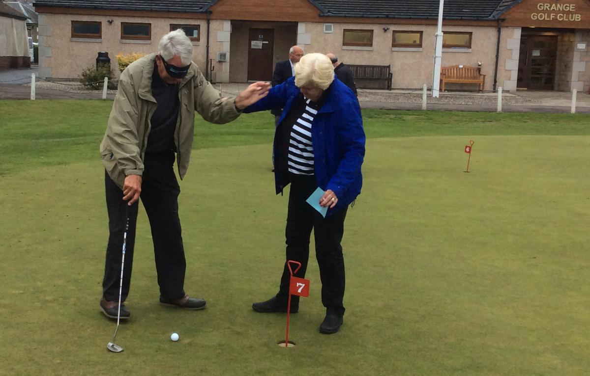 Blind-folded Putting - Putting 6