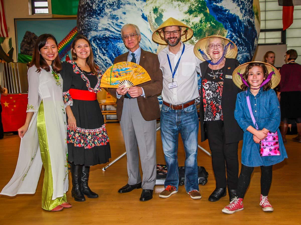 RocketWorld - From left to right: Ngan from Vietnam, Liu from Chile, Najib Yousif, Sam Harris (Manchester International Society), Joan Ebbrell and a young lady from Venezuela.