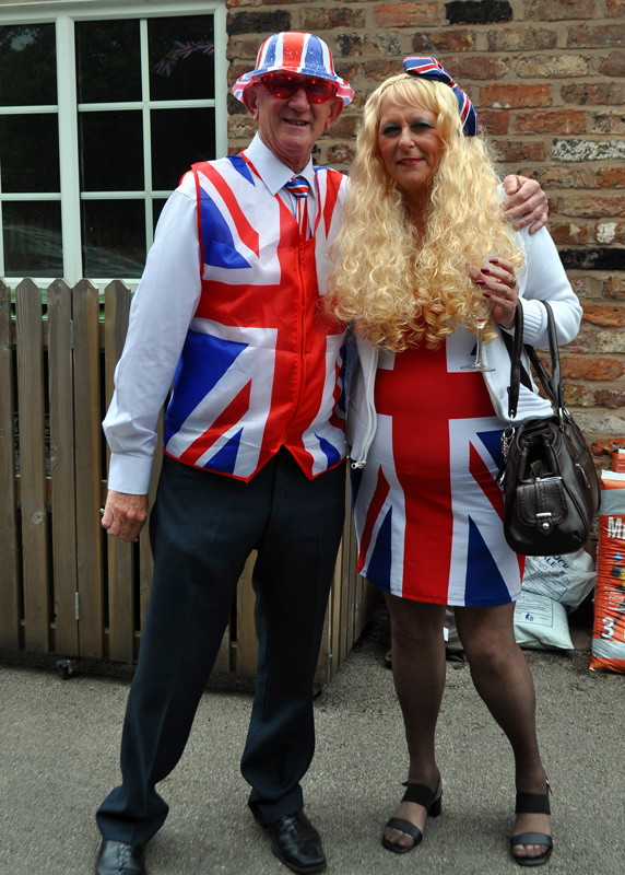 2012 06 05 Jubilee Party - Looking good.