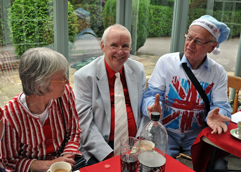 2012 06 05 Jubilee Party - Bill's not quite got the hang of fancy dress yet.