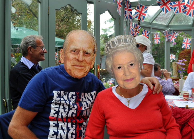 2012 06 05 Jubilee Party - Nice to see the Duke looking better.