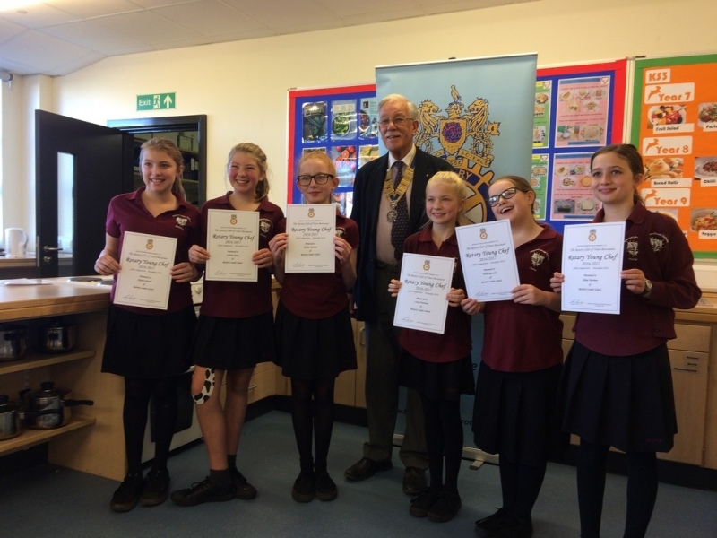 Young Chef 2016 at Richard Lander School - The participants with their certificates and the President of RCTB