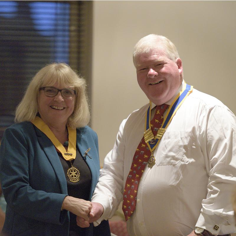 News from M&P 2016/17 - President Robert hands Hazel Morley the President Elect's jewel