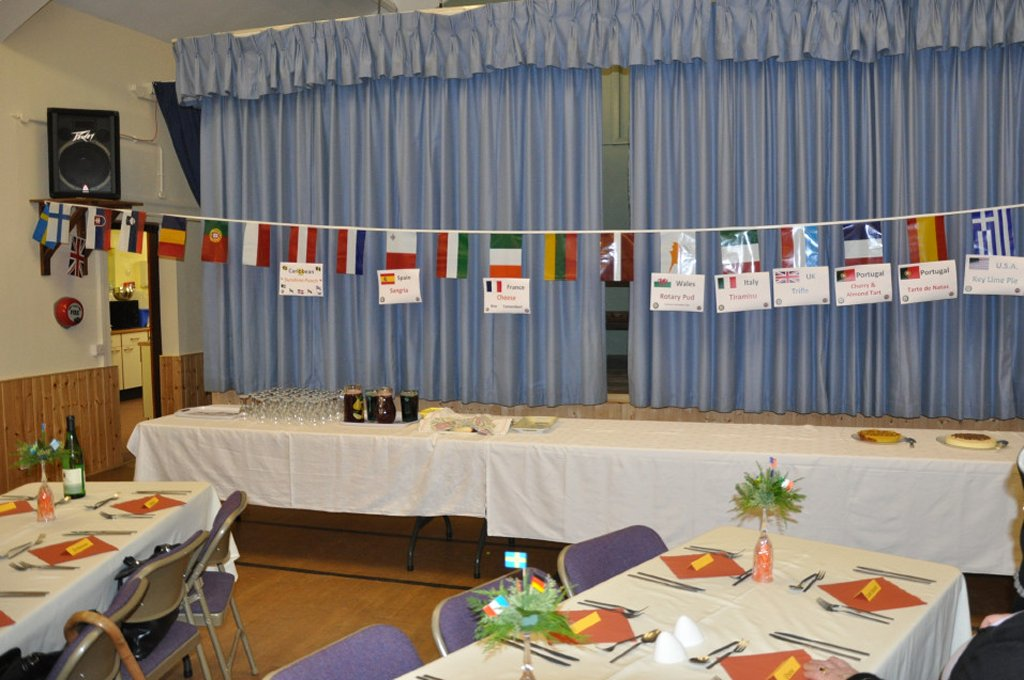 Rotarians can cook ! - The flags of the world.