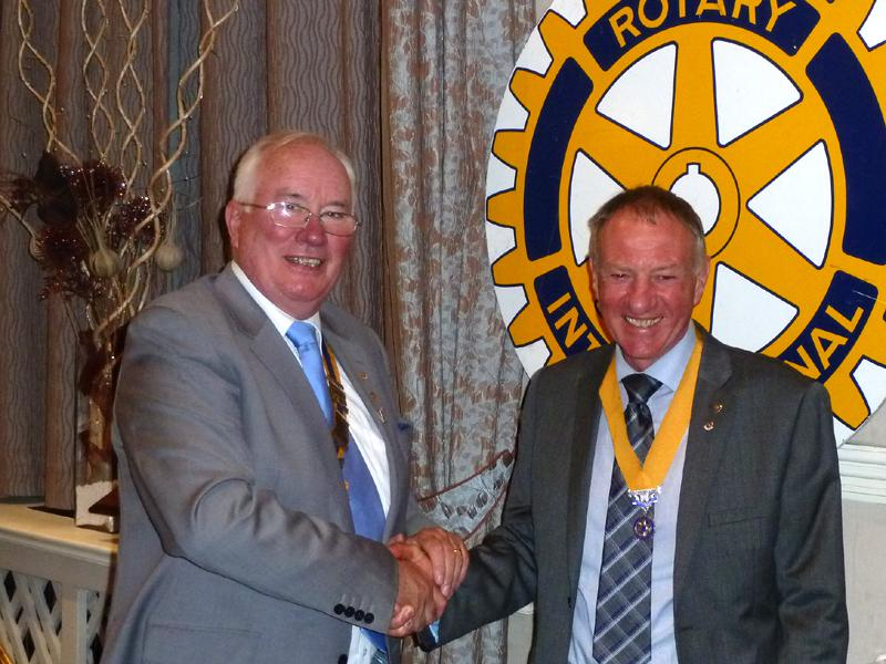 Handover Meeting - Bill Thomas welcomes new President Elect Geoff Bigg
