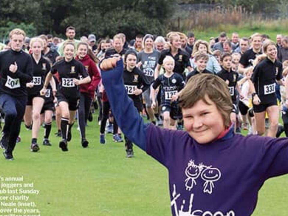 Kidscan - 2019 Glossop Jog beneficary - Some of the 300 runners lead by Kidscan