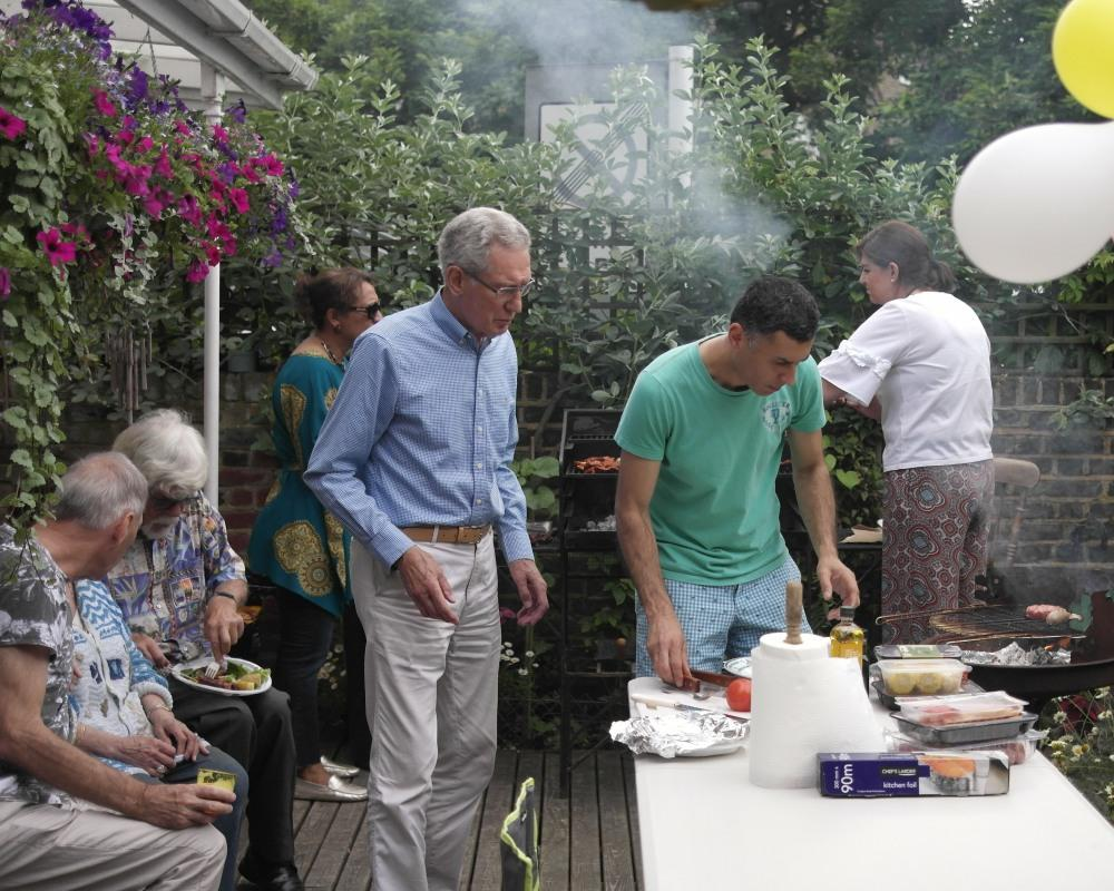 President Richard's B B Q. - The team