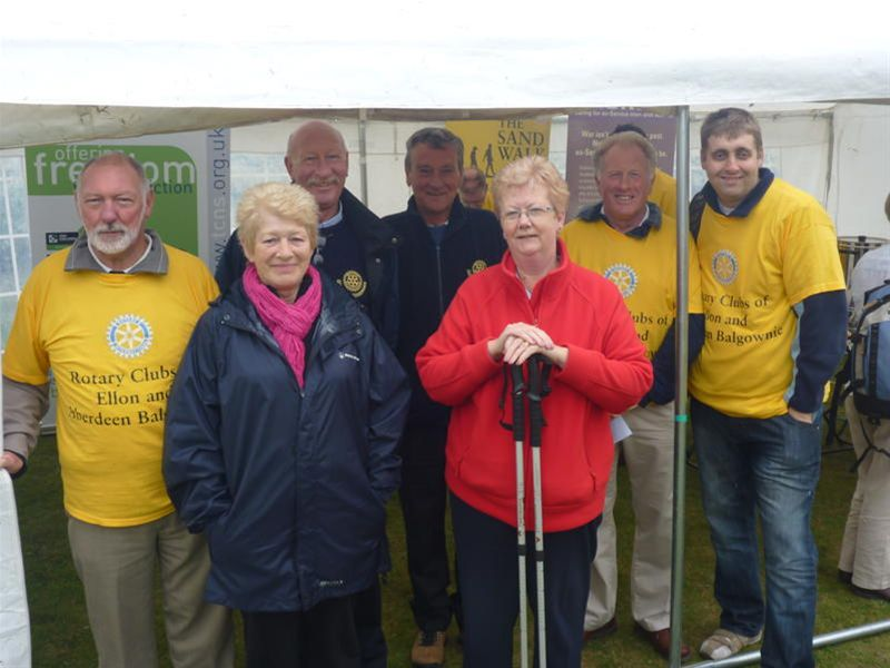 Sandwalk 2010 - Front row:  Star fundraisers who raised over one thousand pounds between them