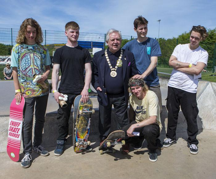 Freestyle Fun Event - Winners of the Skateboarding Competition with Provost John McMillan