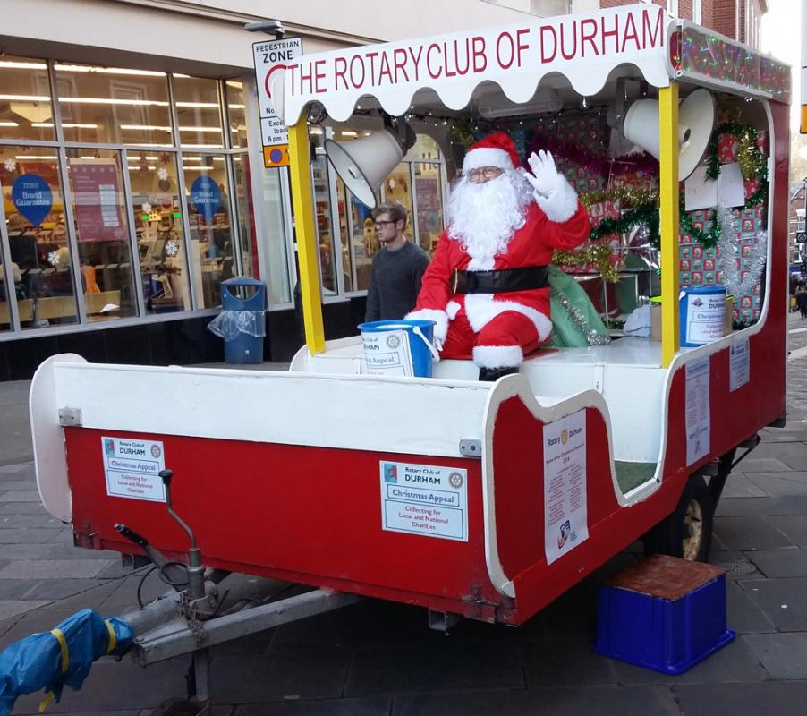 The Christmas Sleigh - 2016 - The Sleigh landed in Durham Market Place ...