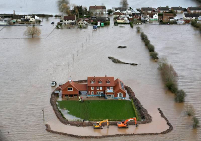 Putting the Environment on the Map - Extreme weather in the UK 2014 was a stark warning