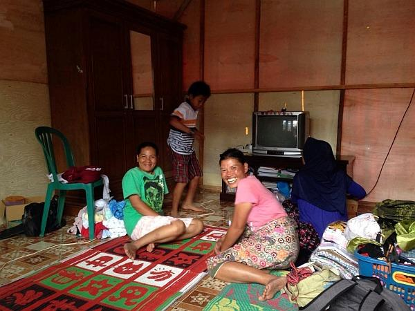 Lombok Earthquake Appeal - Interior  with family