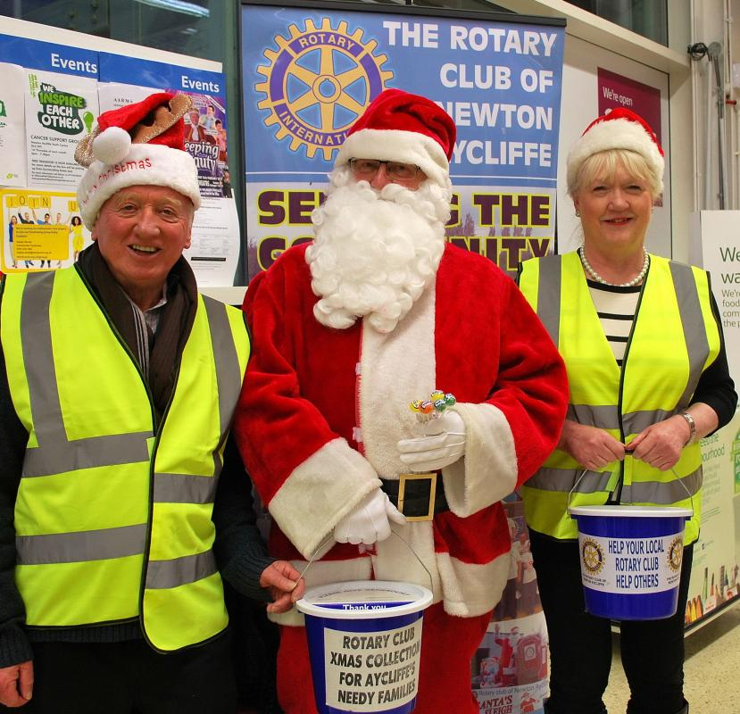 DO WE REALLY MAKE A DIFFERENCE? - Santa turns up at Tesco to help our Christmas Collection