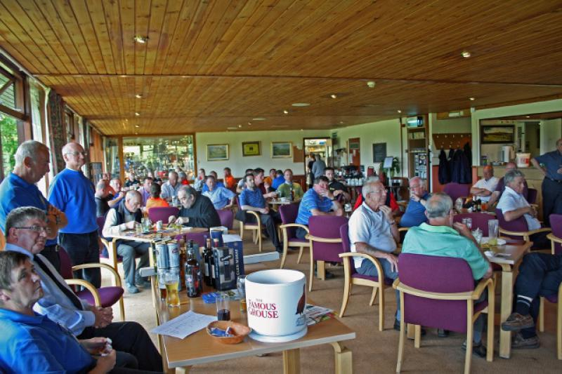 Charity Golf Day - The Presentation (640x427)